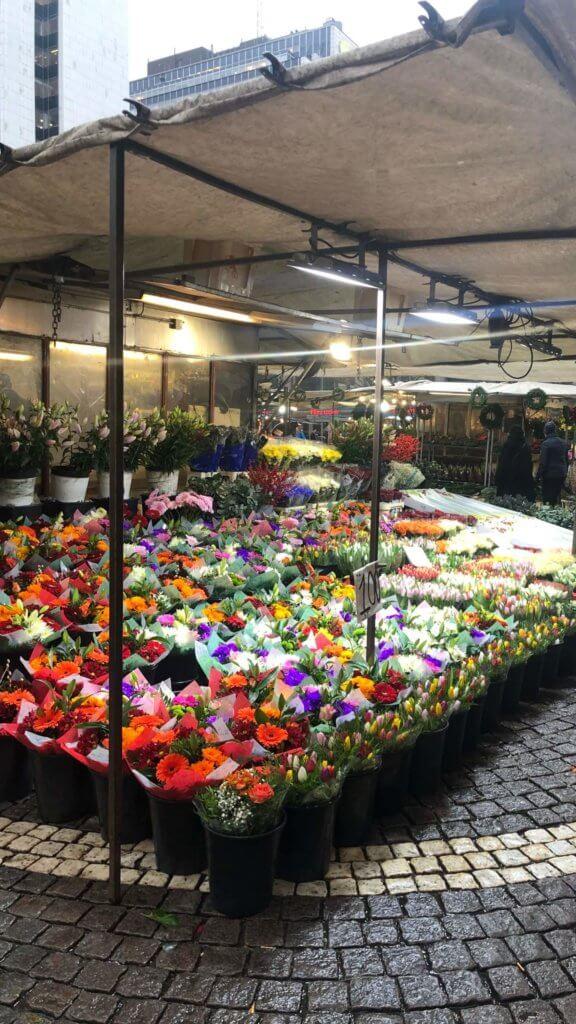 Blomsterförsäljning vid Hötorget